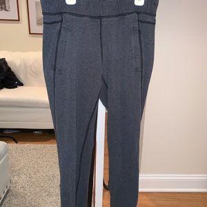 Lululemon jogger pants size 6